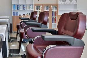 10 scaune profesionale de frizerie